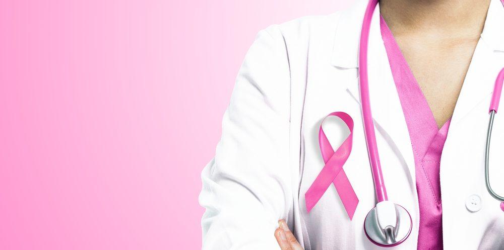 Adeslas con el día internacional del cáncer de mama