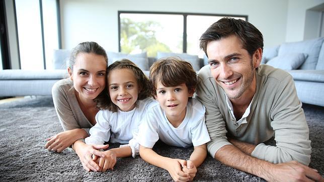 Contrata Adeslas Básico Familia sin rellenar cuestionario de salud
