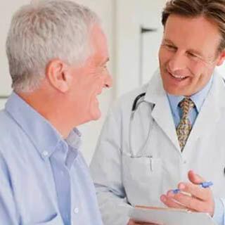 seguro salud más vendido adeslas mayores